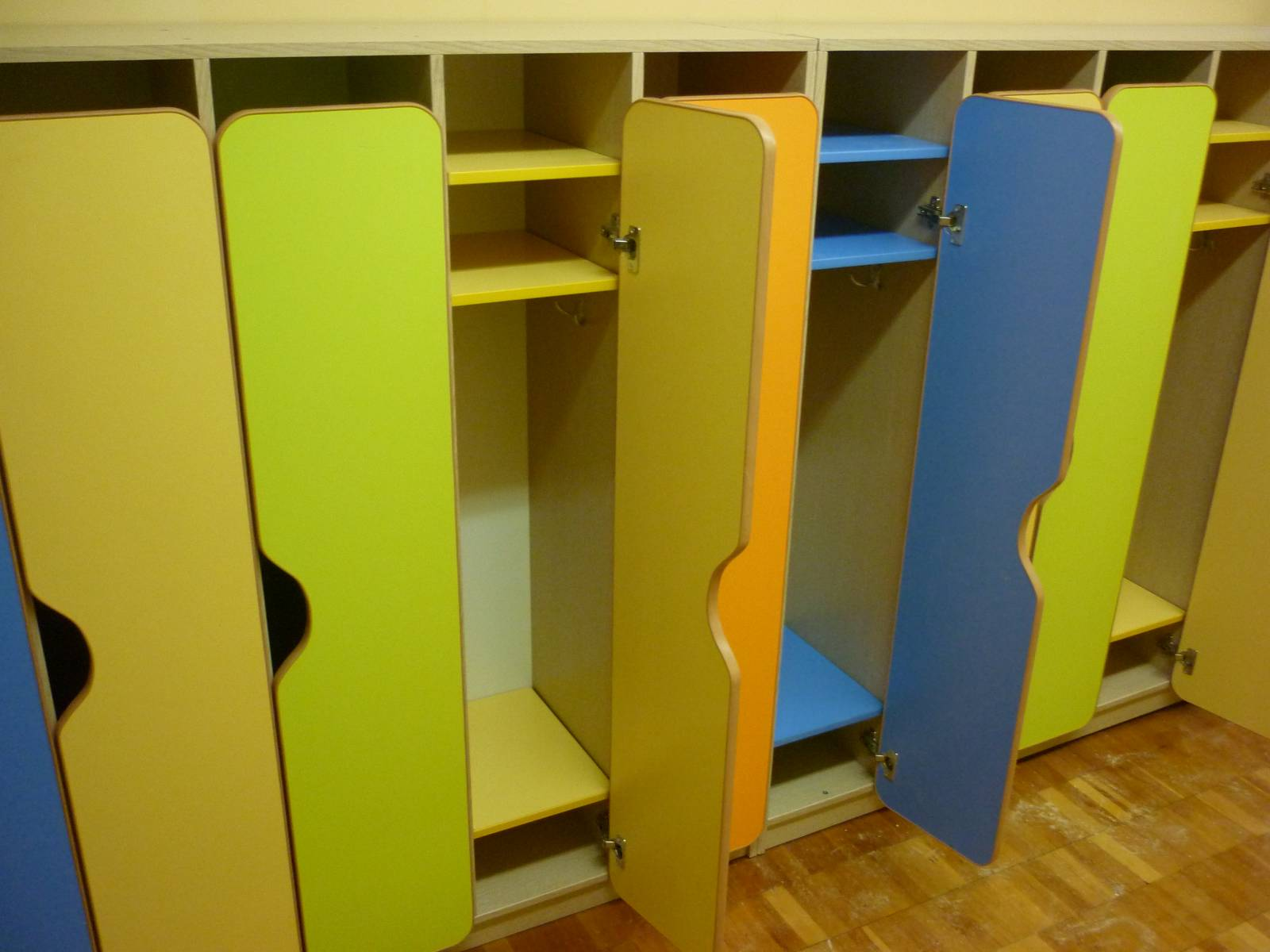Кабинки в детский сад (увеличенные габариты) - купить в крас.